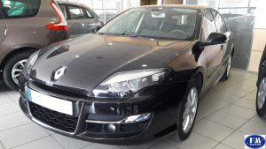 Renault Laguna negro 2011 frontal