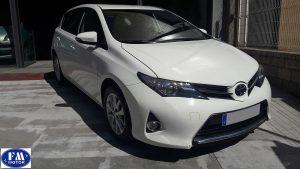 Toyota Auris blanco
