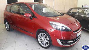 Renault Grand Scenic rojo 2012