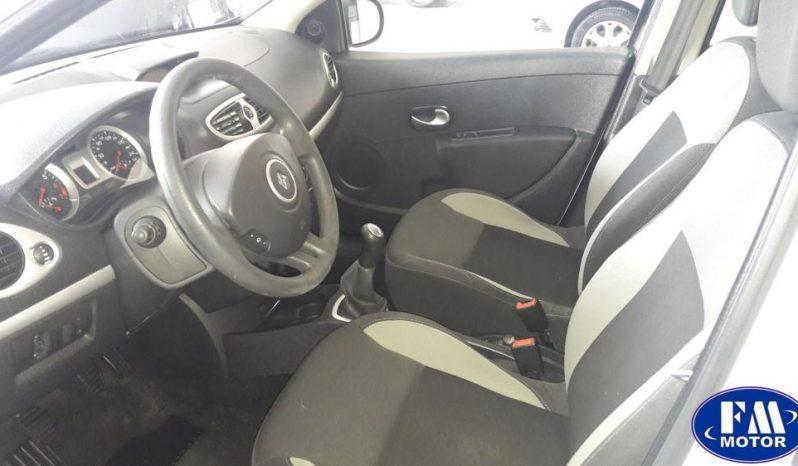 Renault Clio 1.2 Dynamic 5 puertas completo
