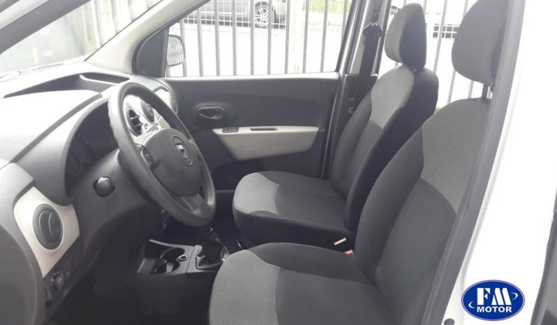 Dacia Dokker 1.5 DCI 90 CV 6 puertas. lleno