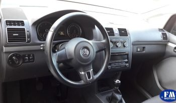 VW Touran 1.6 tdi 105 cv 5 plazas completo
